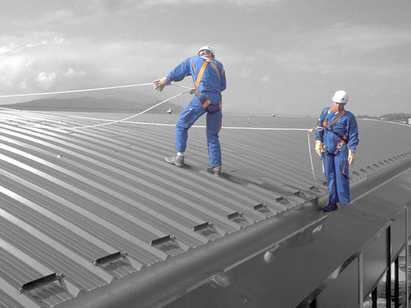 Ligne-de-vie-cable-Gamesystem-sur-toiture-et-toit-pente